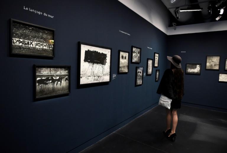 Voir Paris autrement avec l'expo « Brassaï - Graffiti » au Centre Pompidou