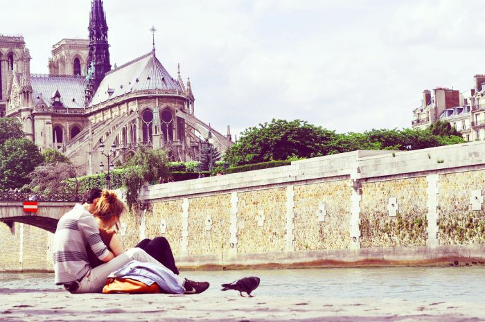 Valentine's Day in Paris - Romance on the waterfront