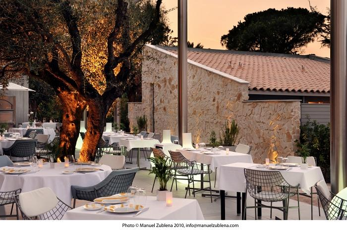Wedding in St Tropez luxury sites - Hotel Sezz, restaurant Colette - Photographe Manuel Zublena