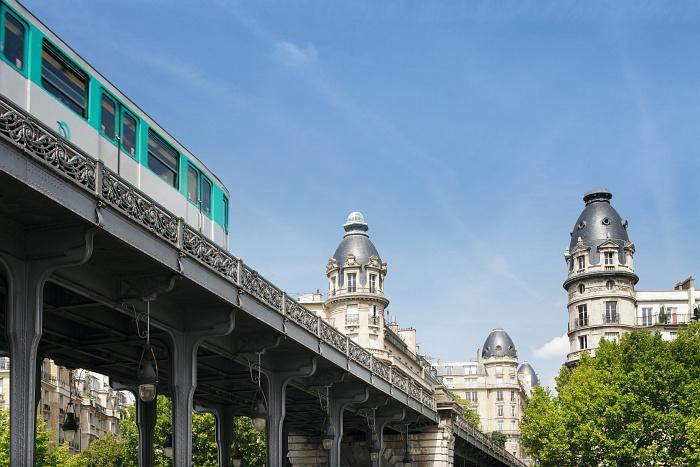 Pont Bir Hakeim Paris - Tourist Office Paris - Photographe Marc Bertrand
