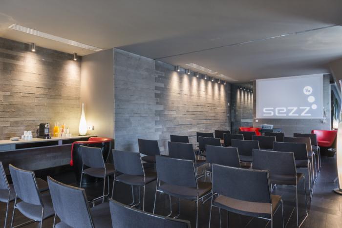 Sezz hotel - Salle de réunion et coin détente