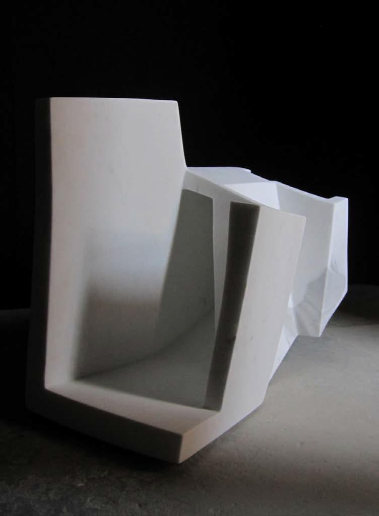 Art contemporain au Sezz Saint-Tropez - Sculpture en marbre de Carrare - Exposition Attila Rath Geber en partenariat avec la Galerie Saint Laurent Marseille