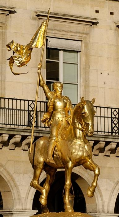 Fremiet - Jeanne d'Arc, Place des pyramides, Paris - Wikimedia cc - Photographe Jastrow