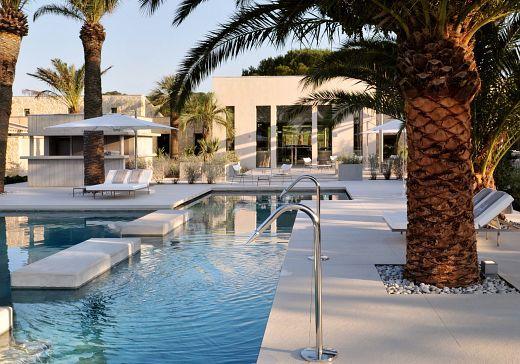 Sejour luxe hotels saint tropez - Piscine de l'Hotel SEZZ Saint-Tropez - Photographe Manuel Zublena