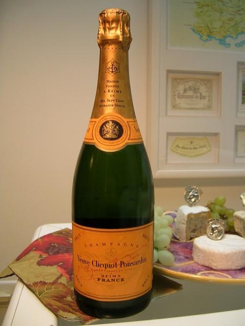 Veuve Clicquot champagne bottle (Wikimedia-Renzo-Grosso-CC)