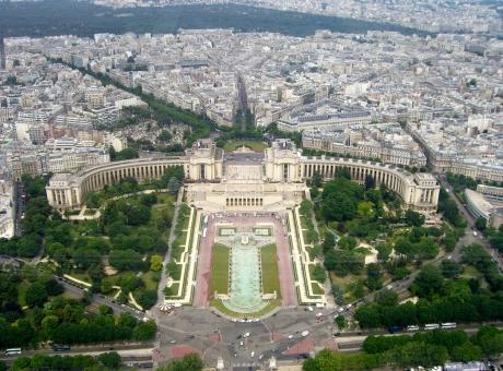 Trocadero - Palais de Chaillot - Eiffel View - WikipediaCC