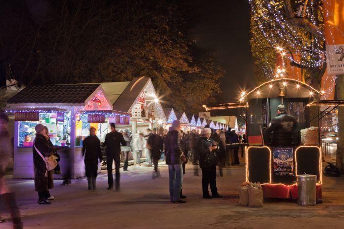 Happy New Year 2015 - Christmas market at Champs Elysées - Tourist Office Paris - Photographer Amélie Dupont